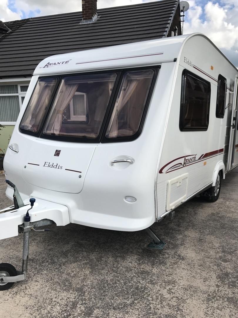 Lovely 5 berth Caravan
